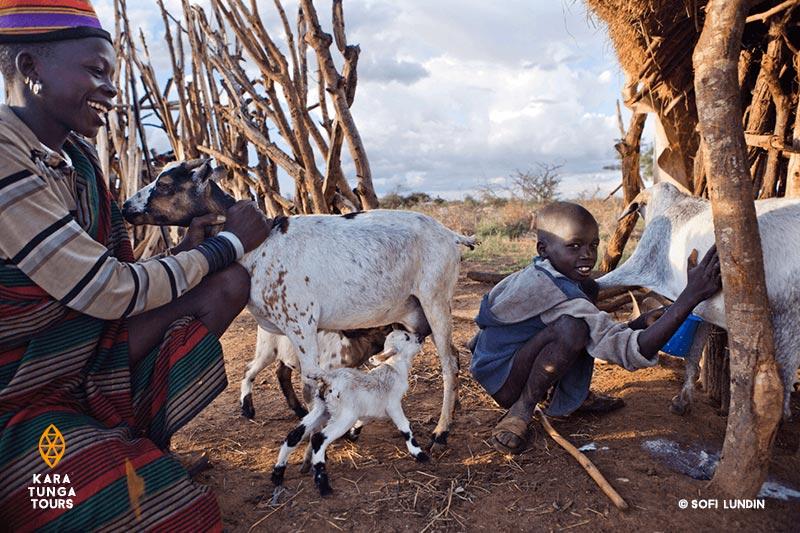 kara-tunga-travel-tour-safari-guide-uganda-karamoja-sofi-lundin