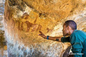 kara-tunga-karamoja-uganda-rock-art-museum-0