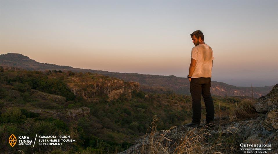 kara-tunga-uganda-karamoja-gabriel-gersch-travel-trip-safari-warrior-nomad-trail-walking-3