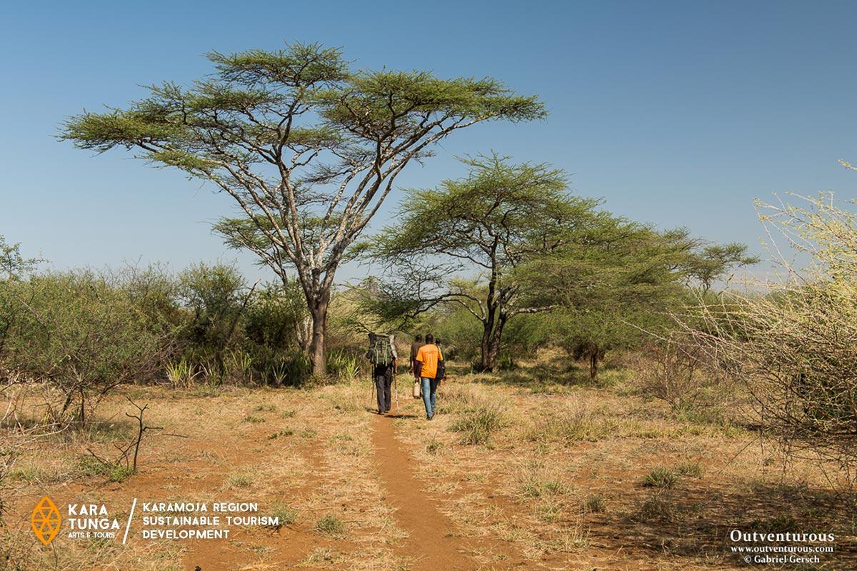 kara-tunga-uganda-karamoja-travel-trip-safari-warrior-nomad-trail-walking