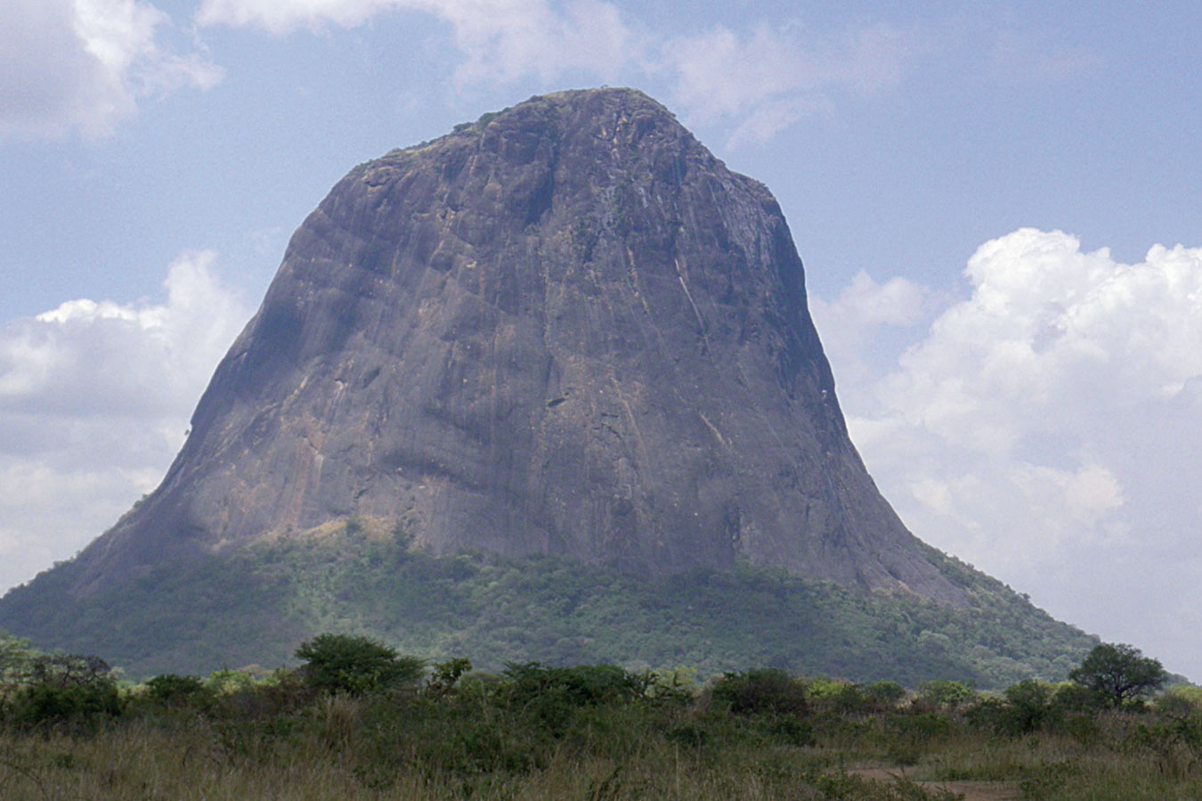 kara-tunga-abim-Rock-Climbing-Uganda-Granite-Ruoth-Amyel-2