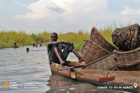 kara-tunga-karamoja-tours-traditional-women-fishing-4