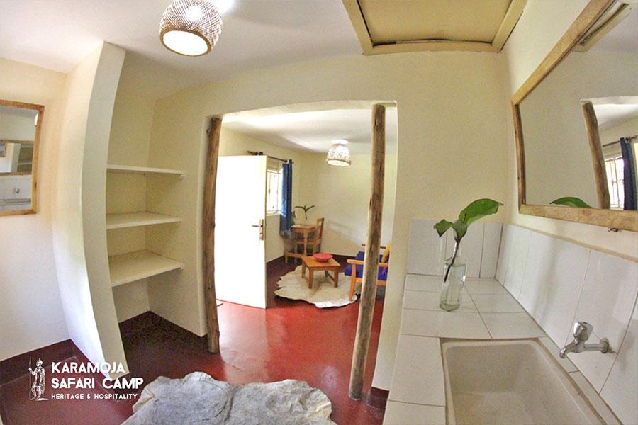 kara-tunga-karamoja-safari-camp-hotel-moroto-cottage-double-2021-3
