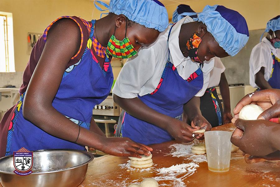 tour-of-karamoja-matany-girls-vocation-school-5